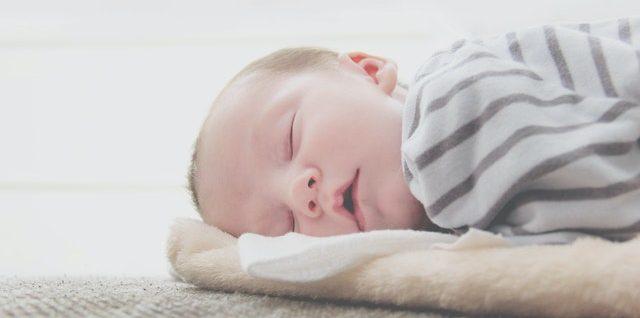 5 simple Regeln für den gesunden Babyschlaf